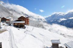 Aussicht-Dorf-Winter-Frischschnee-scaled